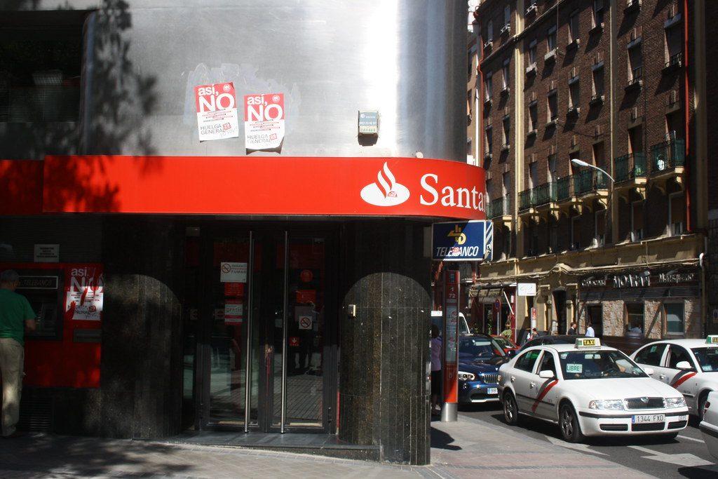Posibles cláusulas abusivas que amenazan a la banca