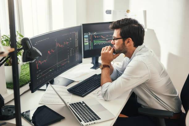 Aprender a invertir a través de eToro